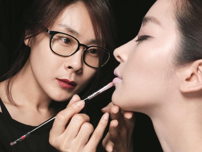 Makeup artist jobs in japan